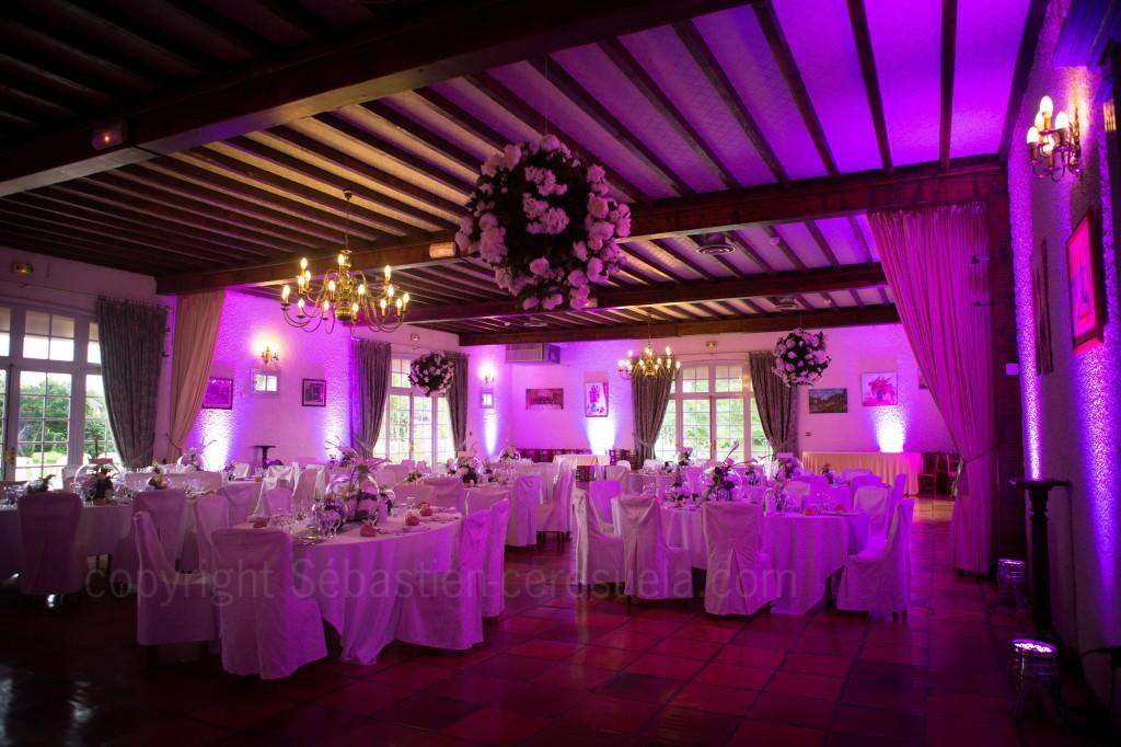 Décoration lumineuse pour salle de mariage  Mise en lumière